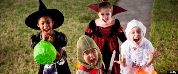 halloween-candy-trick-or-treat-kids