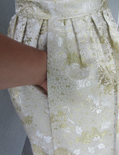 skirt-brocade-pocket