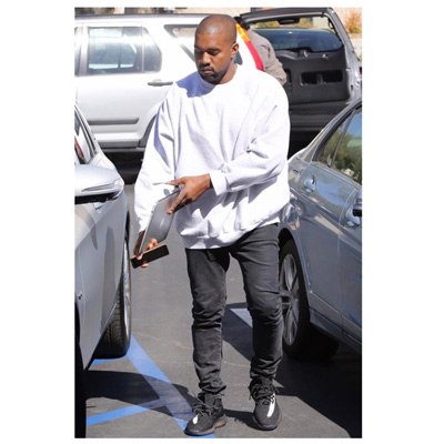 kanye-west-yeezy-boost-350-v2-black-white-sply-350